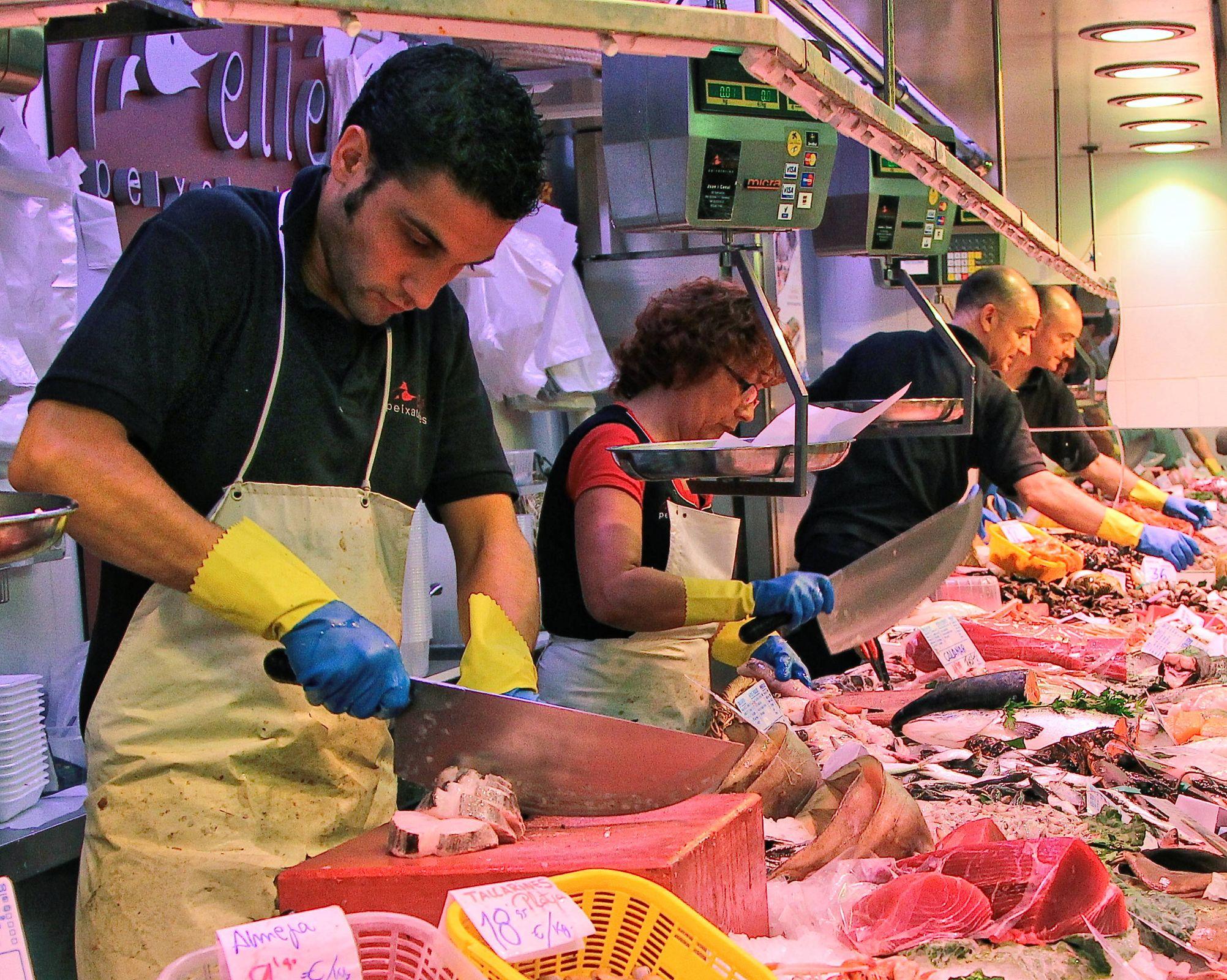 Cutting Fish Mercat De Sant Antoni Barcelona Sharp Knife